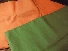 2 coupes de toile de jute : 2m70 x 3m20 olive et 2m70 x 2m40 orange