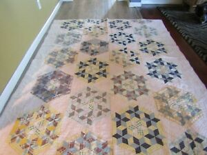 Antique Quilt Hand pieced & Hand Quilted - Stars in Dresden Plate - Beautiful