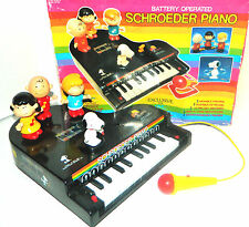 1985 Vtg SCHROEDER PIANO Sing-A-Long Moving Figures Charlie Brown Lucy Snoopy