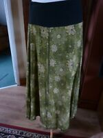 NOMADS SIZE M GREEN/BLACK FLORAL COTTON LINED CALF LENGTH SKIRT