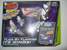 SPIN MASTER Air Hogs RC VWing Avenger Flies by Flapping Its Wings