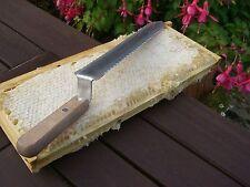 Couteau a desoperculer- Apiculture (lame a dents des deux cotes )