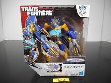 NEW & SEALED!!! TRANSFORMERS GENERATIONS SKY-BYTE ACTION FIGURE THRILLING 30 6-3