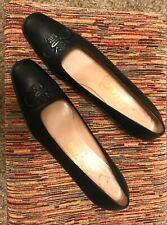 Italian Ladies Salvatore Ferragamo Size 8.5 Aa Dark Navy Heels