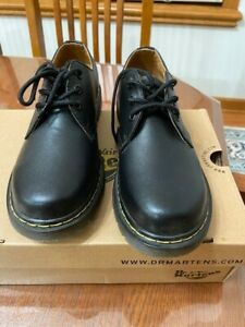 New Dr.Martens Black Leather Shoes Size US 8 Men/9 Women, UK 7, New 1461. Unisex