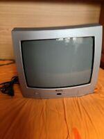TV COLOR GRAETZ GR 1406 TX. Usato pochissimo, in perfetto stato, come nuovo.