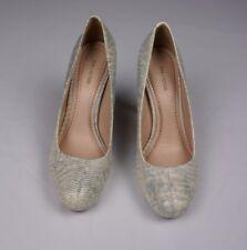 e7f08901c818 Pour LA Victoire Size 8.5 Womens White Gray Faux Alligator Heels Pumps  Gilliana