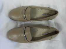 "Ponte Vecchio Loafers Size 9 W Tan Gold Trim 1"" Heel Nonskid Sole Padded Insole"