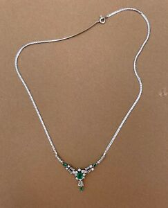 Brillant Diamant Collier 750 Weißgold 18 Karat 28 Diamanten 4 Smaragde Topp