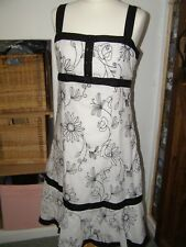 Per Una white and black embroidered floral summer strappy dress size 14r