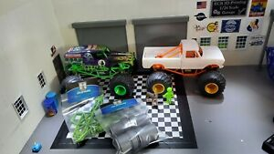 1/24 Light Green Monster Truck Conversion Kit With Silver Wheels For Axial Scx24