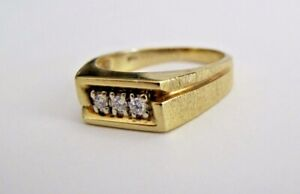 14K Yellow Gold Mens Ring With 3 Diamonds size 9.5
