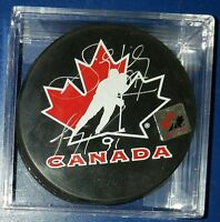 SIDNEY CROSBY  & CAREY PRICE DUAL SIGNED team Canada  HOCKEY PUCK HOF AUTO