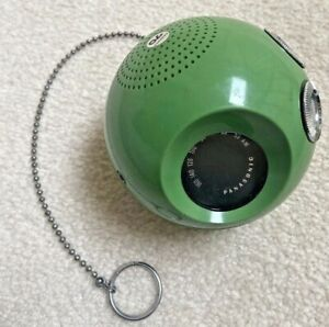 RARE Vintage 1960s/70s Panasonic Panapet~Lime green~super COOL Radio ~ Tested