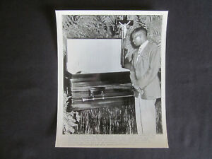 1948 BABE RUTH in Casket with BOJANGLES Looking on ORIGINAL AP Wire Photo