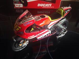 1/10 scale VALENTINO ROSSI DUCATI MOTO GP MOTORBIKE BOXED IN GREAT CONDITION