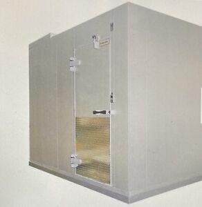 """New Kolpak 5'10"""" x 7'9"""" x 7'6.25"""" Remote Walk-In Freezer with Floor"""