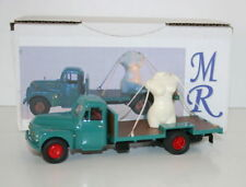 1/43 SCALE RESIN MODEL - CITROEN FLATBED TRUCK CARRYING LARGE FEMALE BUST STATUE