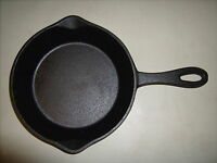 "Cast Iron Fry Pan 8 1/2"" x 12 1/2"" Bayou Classic Pre-Seasoned"