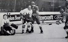 NOSTALGIA HOCKEY  PHOTO TONY ESPOSITO GOALIE GARY BERGMAN TEAM CANADA  TE8