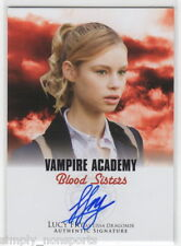 VAMPIRE ACADEMY BLOOD SISTERS MOVIE AUTOGRAPH/AUTO red CARD LUCY FRY AS LISA