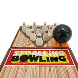 Vintage 1980's Tomy STROLLING BOWLING Wind Up Portable Game Toy Table Top Bowl
