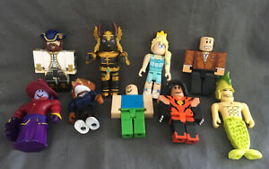 9 X Roblox Figures