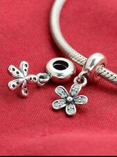 Dazzling Daisy  Charm bead with Genuine Sterling Silver Chain mum xmas gift