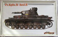 No construido 1/35 Cyber-hobby pz. Kpfw. IV Ausf. B Raro Kit con pistas de magia Usado..
