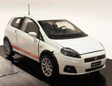 Motormax 1/24 Scale - Fiat Grande Punto Abarth White Red - Diecast model car