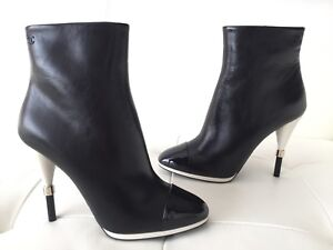 CHANEL BLACK CALFSKIN AND PATENT LEATHER BOOTIES WHITE HEEL SIZE 38.5 BOOTS