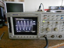Tektronix 1GHz 4GS/s TDS784D 13 1F 2M 2F 2C. From a TDS754D. READ!