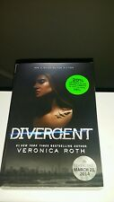 """""""DIVERGENT"""" BY VERONICA ROTH, PAPERBACK 2011  (NEW)"""
