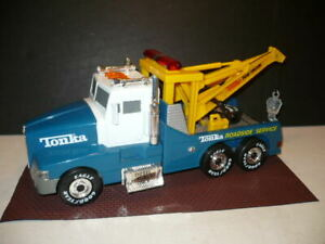 LARGE TONKA ROADSIDE SERVICE WRECKER WITH SOUND LIGHTS BATTERY OPERATED