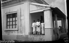 Asie Inde Portrait homme femmes maison  - Ancien négatif photo an. 1920 - 1930