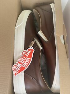 New In Box Mens Vans Classic Slip On Size 12 Brown