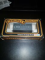 OO gauge Mainline 37-154 Cattle Wagon LMS boxed model railway rolllingstock