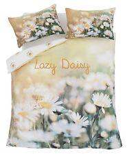 Double 3D Effect Photographic Floral Print Lazy Daisy Duvet Cover Set.
