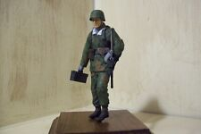 dragon models 1/16 scale figure ww2 german in camo with mp42 with real wood base