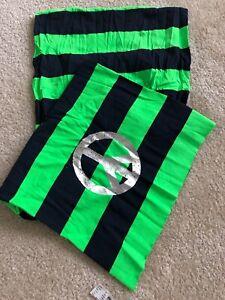 Justice Scarf Big Bold Green & Black Striped Design Silver Peace Symbol NWT