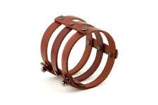 Breites Armband aus Naturleder, genietet, handgefertigt, einzigartiges Design