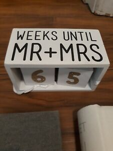 Wedding photo albums and count down calendar