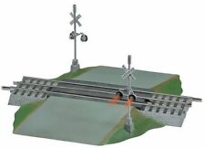 Lionel FASTRACK Grade Crossing with Flashers 6-12052