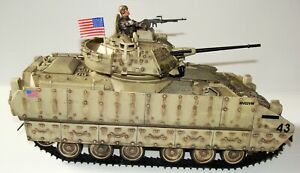 1:18 Unimax Forces of Valor US M3A2 Bradley Infantry Fighting Vehicle w/ Tanker