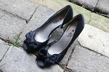 I LOVE BILLY  Black Open-Toe / Double Bow 8 cm Heel 24.5 cm inside  Size 37/ 6.5