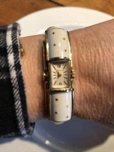 VTG 70s Gubelin Ladies Bracelet Watch Stars Pop Open Wind Up Works