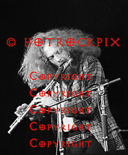 ARCHIVAL QUALITY PHOTO OF IAN ANDERSON OF JETHRO TULL 1972