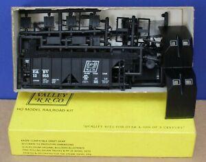 E&B Valley 5019 E&BV RR ACF 70 Ton Covered Hopper Kit #12953 NIB 1980