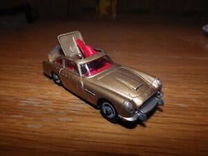 Aston Martin DB 5 - James Bond Goldfinger 007 - Corgi-Toys - inkl. Figur