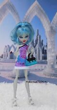 Monster High Abbey Bominable's SCARIS CITY OF FRIGHTS Outfit